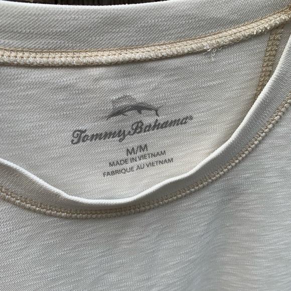 Size medium Tommy Bahama